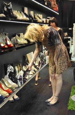 Сколько денег звезды тратят на обувь?