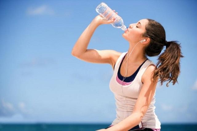 Минеральная вода побеждает морщины?