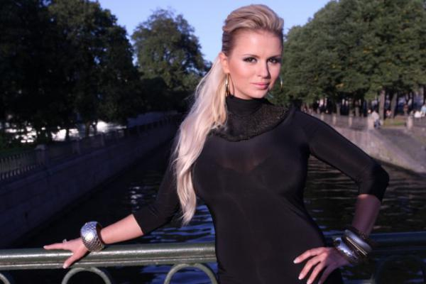 Анна Семенович с новым клипом и песней
