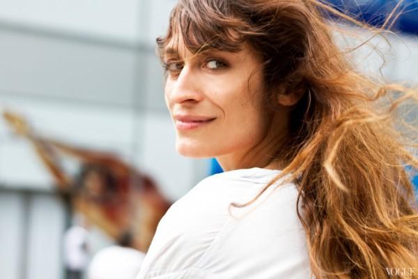 Каролин де Мегрэ и ее новый французский образ Chanel