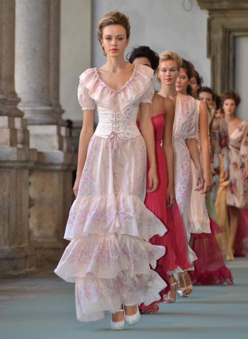 Модные платья от валенино юдашкина