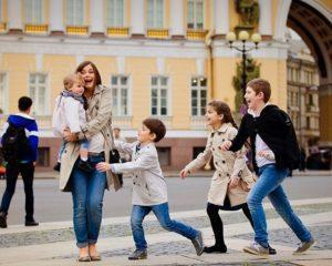 Средняя питерская семья легко может купить квартиру