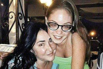 Лолита Милявская выложила редкое видео с дочерью в честь ее 21-летия