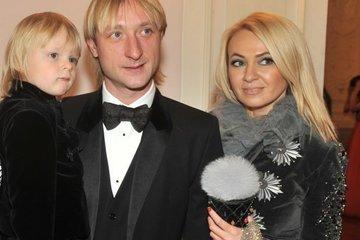 Рудковская и Плющенко поссорились из-за денег