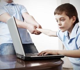 Надо ли лечить интернет-зависимость