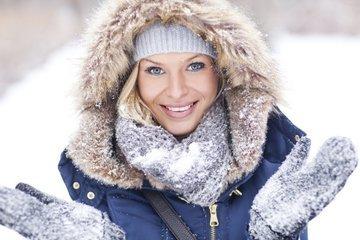 Как защитить кожу от шелушения зимой