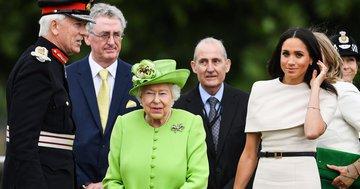 Елизавета II не даёт фамильные украшения Меган