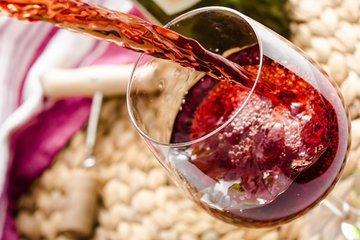 Избавляемся от остатков вина с пользой