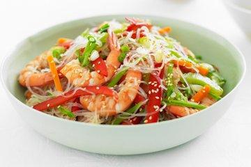 Вкусный и легкий: вьетнамский салатик из креветок