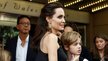 Дочь Анджелины Джоли передумала менять пол