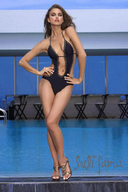 Лето 2011: модные купальники - от бикини до буркини!