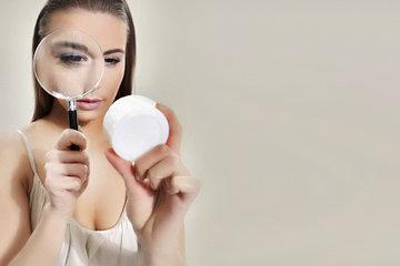 Можно ли пользоваться косметикой с истекшим сроком годности