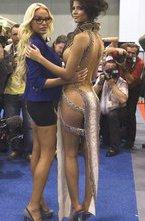В Берлине открылась 15-я Международная Эротическая ярмарка  Венера .Как и всегда, на берлинской ярмарке было представлено множество компаний - производящих, продающих и рекламирующих продукцию  секс-индустрии .