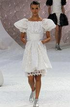 В рамках недели моды в Париже прошел показ коллекции Chanel y сезона весна-лето 2012. В коллекции преобладают  водянистые  серебристые, зеленоватые и серебристые оттенки, а также модные сливочные тона. Женственные платья и костюмы обильно декорированы жемчугом, цепями и традиционными для модного дома камеями. Отдельного упоминания заслуживает, впрочем, линейка купальников - лаконичных, но шикарных, а также аксессуары - они, как всегда, были выше всяких похвал.