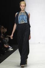 В рамках недели высокой моды в Москве Мария Кравцова представила новую коллекцию своего бренда The MuscoviteS. Среди основных тенденций сезона весна–лето 2012 бывшая модель выделила стиль ретро, завышенные талии, принты и нежные оттенки.