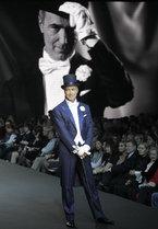 С итальянским шиком открылась в Москве Неделя моды. Всего же в ближайшие пять дней будет представлено более 40 коллекций, которые отразят основные тенденции и зададут ориентиры модницам на предстоящие весну и лето 2012 года.