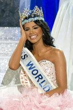 Представительница Венесуэлы Ивиан Лунасоль Саркос Кольменарес на завершившемся в Лондоне конкурсе завоевала титул  Мисс Мира .