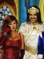 В Санкт-Петербурге завершились съемки новогоднего мюзикла  Аладдин . В течение месяца к известному режиссеру Александру Игудину приезжали звезды, чтобы сняться в новогодней ТВ-феерии на тему любимой восточной сказки.
