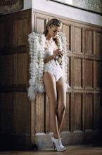 Marie Claire Italia представил на своих страницах Денису Дворжакову (Denisa Dvorakova). Модель примерила на себя образ ангела с помощью марок Fendi, Dolce & Gabbana и Prada. Фотограф: Johan Sandberg. Стилист: Monika Kropfitsch.