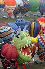 Мировой рекорд по одновременному взлету и выстраиванию в линию воздушных шаров установлен на Международном фестивале воздухоплавания во Франции.