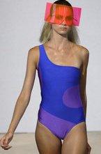 В рамках Mercedes-Benz Fashion Week Swim 2011 в Майами прошел показ новой коллекции пляжной одежды и бикини марки Red Carter.